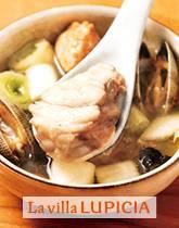 アンコウを丸ごと食べる!旨みたっぷりの温めスープ