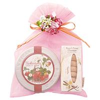 紅茶とお菓子「苺色」